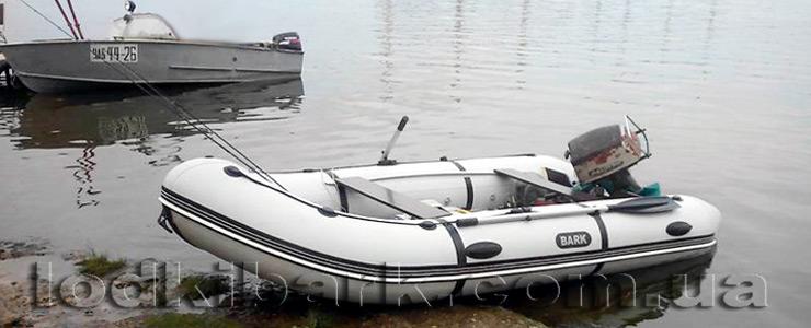 фото лодки БАРК BN_390S