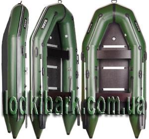 фото килевой моторной лодки Барк со сплошным дном в профиль, фас и повернутой на 45 градусов